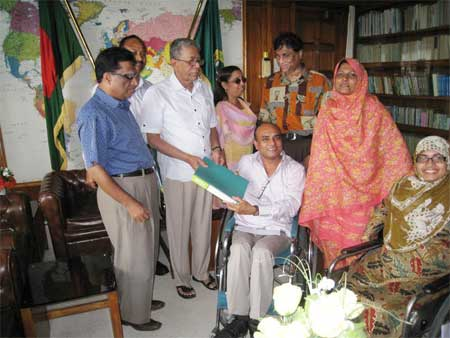 A team of DPO Leaders met Speaker of the Bangladesh National Parliament Advocate Abdul Hamid at his office at Dhaka